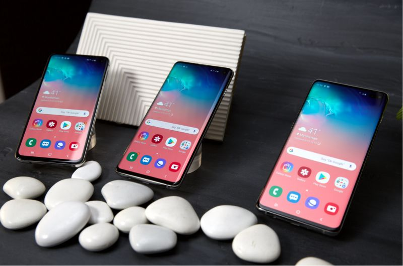 Samsung has introduced three the smartphones in its S10 lineup: The S10e, S10 e and S10 Plus. (image: Howley)