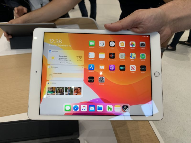 Apple's iPad has a larger display for its 7th-generation. (Image: Howley)